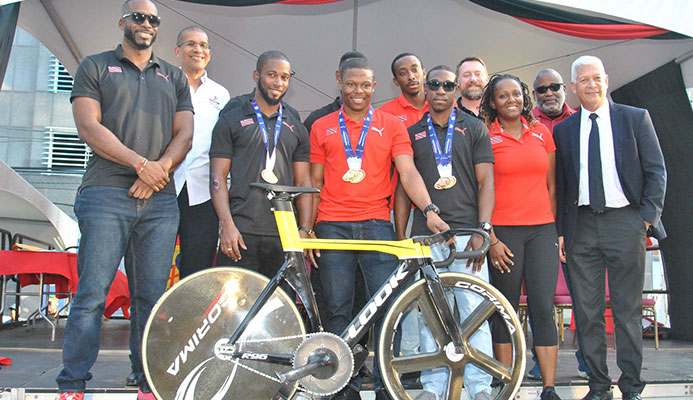 Sprint king Paul, cycling team celebrated on Promenade